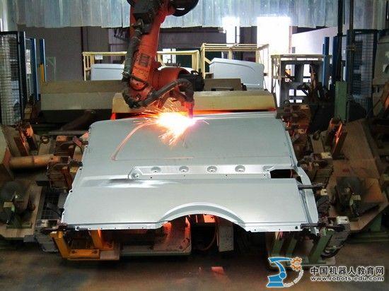 KUKA库卡机器人薄板焊接系统集成